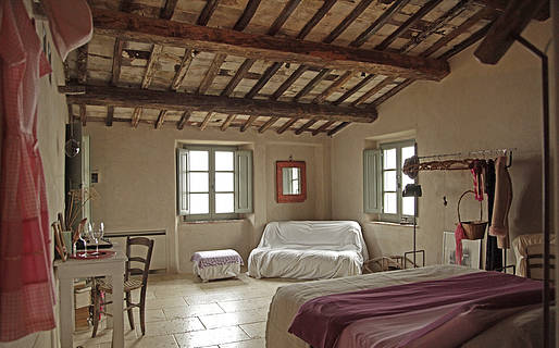Follonico 4-Suite Bed & Breakfast Torrita di Siena
