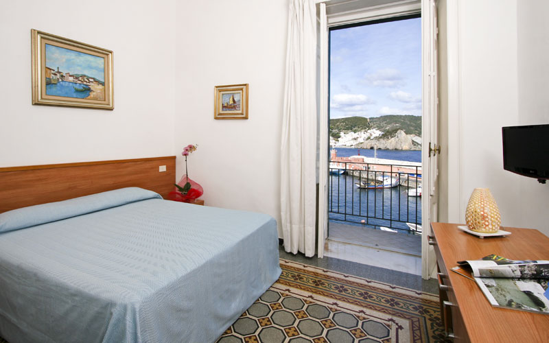 Ponza And Ventotene Hotels Images Italy Photo Gallery