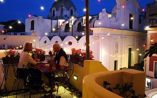 Pulalli Wine Bar Restaurants Capri