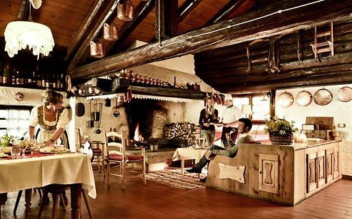 Chalet maso doss hotel madonna di campiglio for Arredamento tirolese