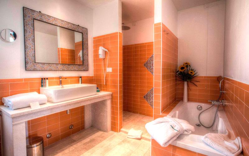 Foto e immagini sardegna hotels photogallery - Liberty piscina cagliari ...
