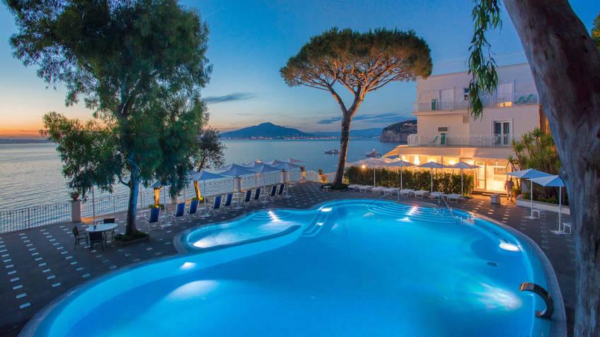 Grand Hotel Riviera Hotel 4 estrelas Sorrento