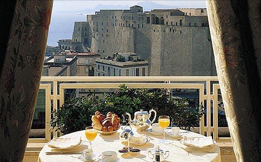 Grand hotel vesuvio napoli for Albergo romeo napoli