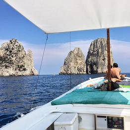 Capri Boat Service - Private Boat Tour of Capri by Traditional Gozzo 4 h