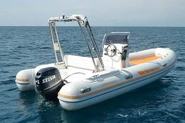 Capri Boat Service - Intera giornata in gommone a Capri
