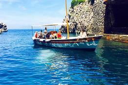 Capri Boat Service - Special Offer- 2 hour tour of Capri by gozzo + swimming